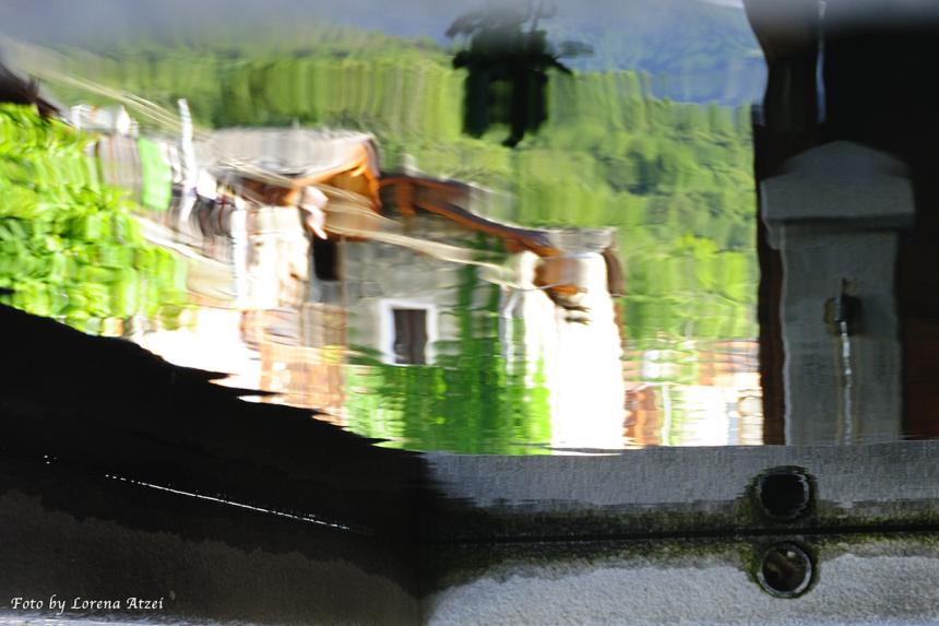 Specchio riflette